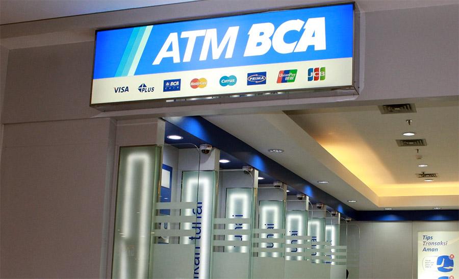 Salah satu lokasi ATM BCA